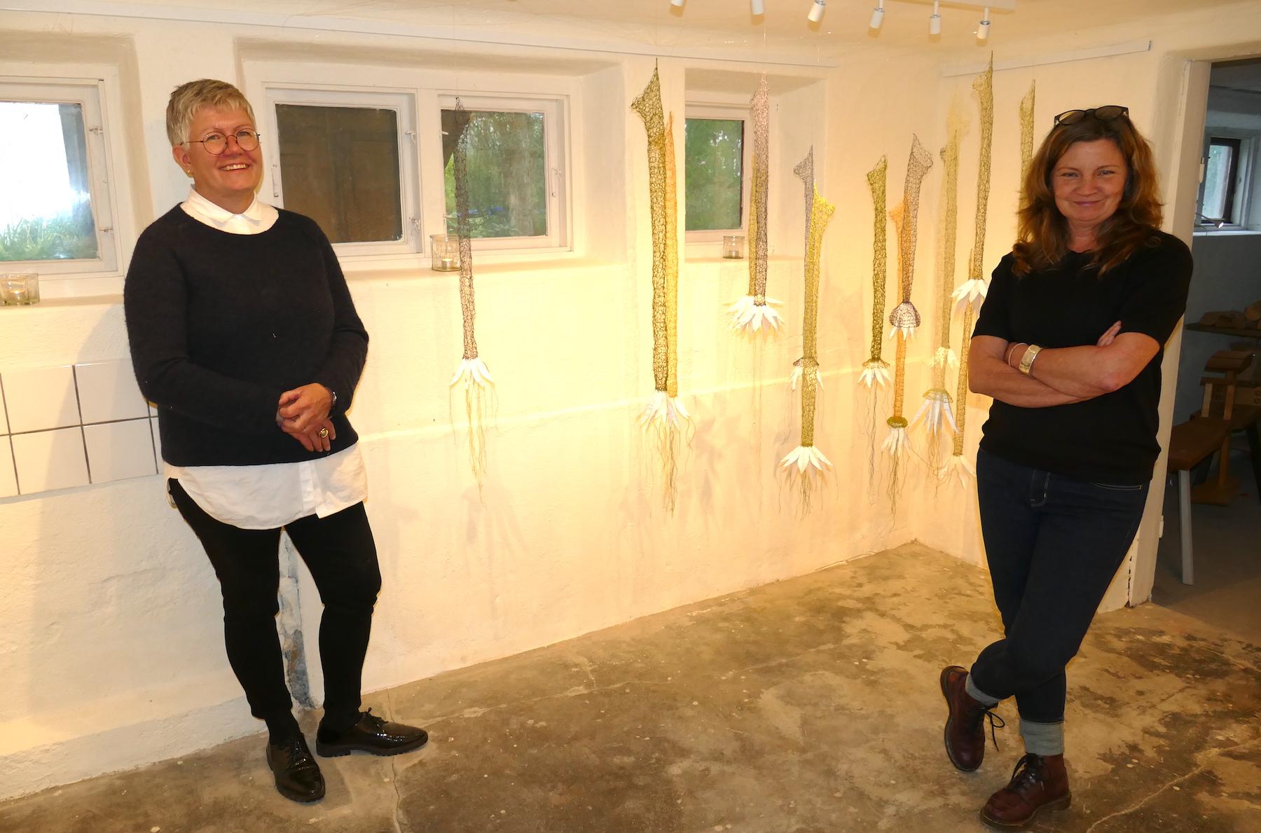 Lena Jerlström och Evis Magnusson Visar sina verk hemma hos Lena, i Sköllersta.